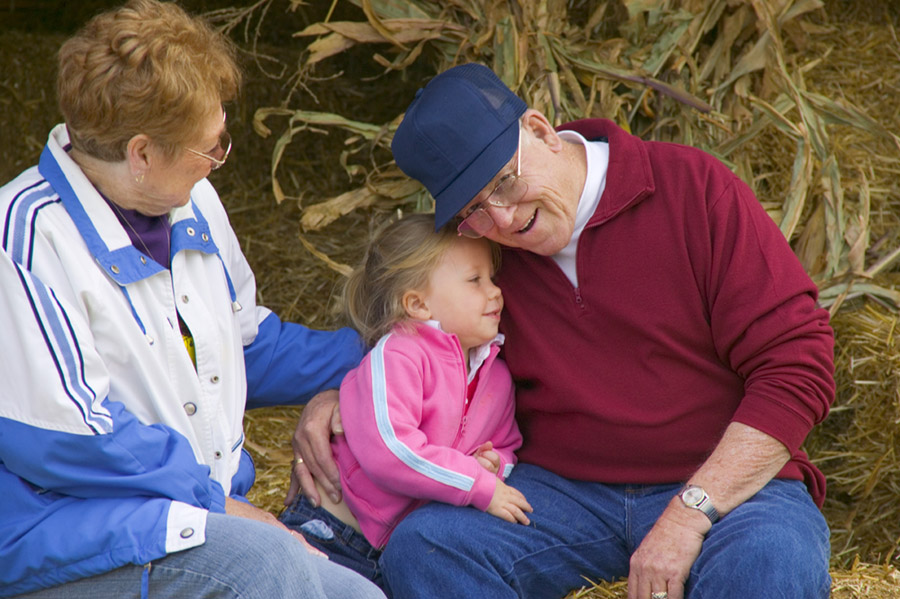 8 Reasons Your Kids Need Grandparents