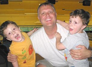 dad-2-preschool-sons-bowling-alley