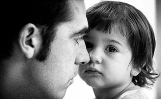 dad-preschool-daughter-greyscale