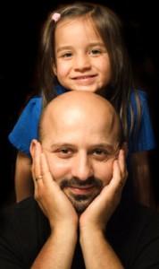hisp-dad-preschool-daughter-behind