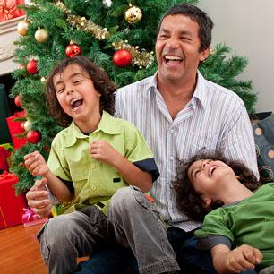 christmas-dad-2-boys-laughing